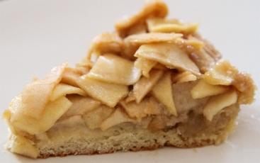 Apple Brioched Cake